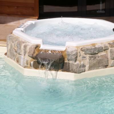Hotel Les Autanes jacuzzi bath