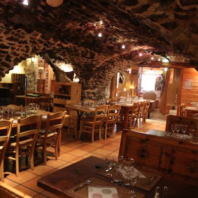 Hotel Les Autanes in Ancelle in the Alps vaulted restaurant