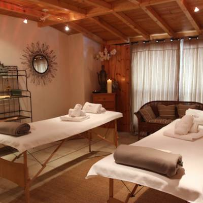 Hotel Les Autanes - Ancelle in the Alps massage room