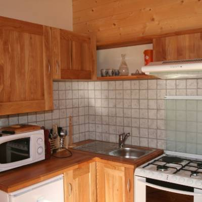 Cosy chalet in Jarjayes kitchen