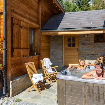 Spa in quilliwasi chalet in the Alps