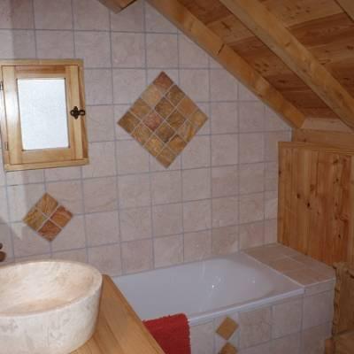 Picchuwasi luxury alpine chalet in Chaillol bathroom