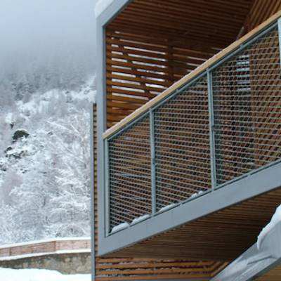 Auberge des Ecrins balcony in winter