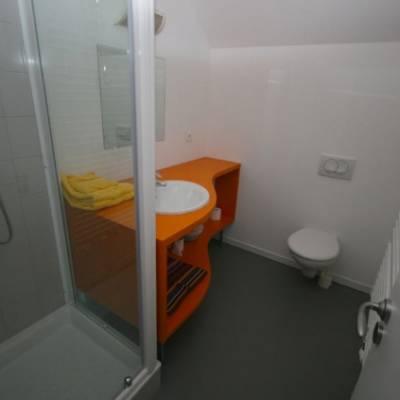 Auberge des Ecrins shower room