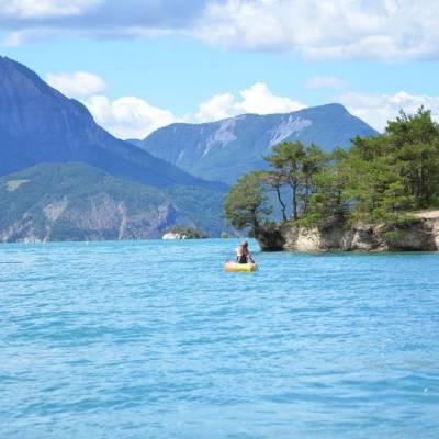 Lake-Kayaking-in-the-Alps-exploring-the-Serre-Poncon-lake.jpg