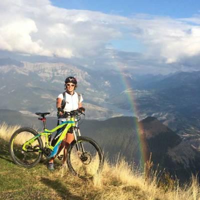 e-mountain-biking-in-the-southern-french-alps.jpg