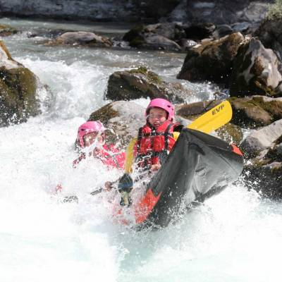 inflatable-canoeing-on-a-summer-activity-in-the-French-Alps.jpg
