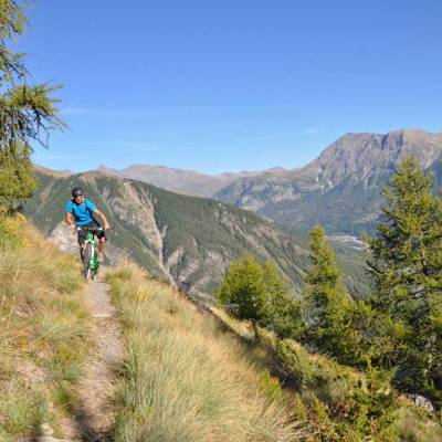 mountain-biking-in-the-southern-french-alps.jpg