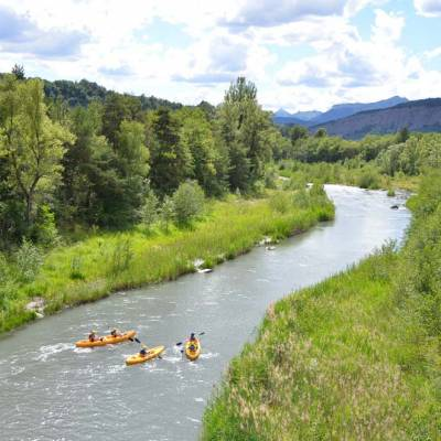river-kayaking-on-the-lower-durance.jpg
