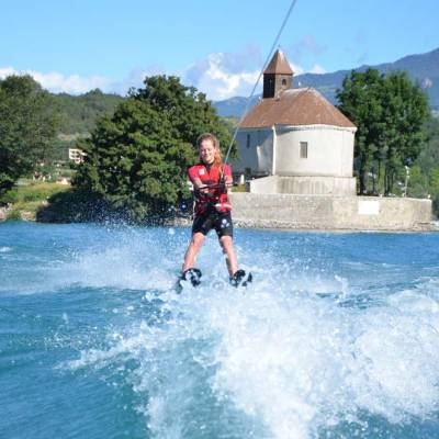 waterskiing-in-the-Alps-on-Serre-Poncon-Lake.jpg