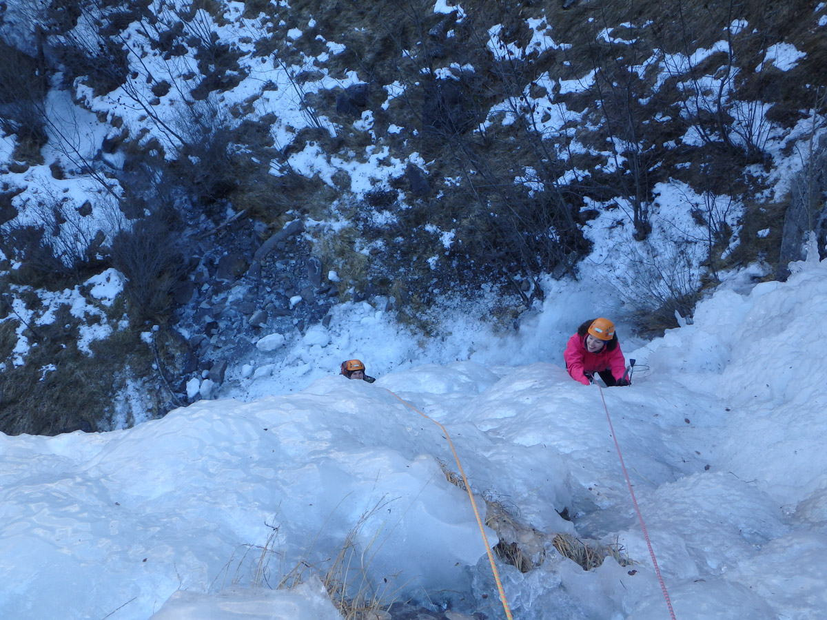 ice climbing joost with girlfriend (5 of 7).jpg